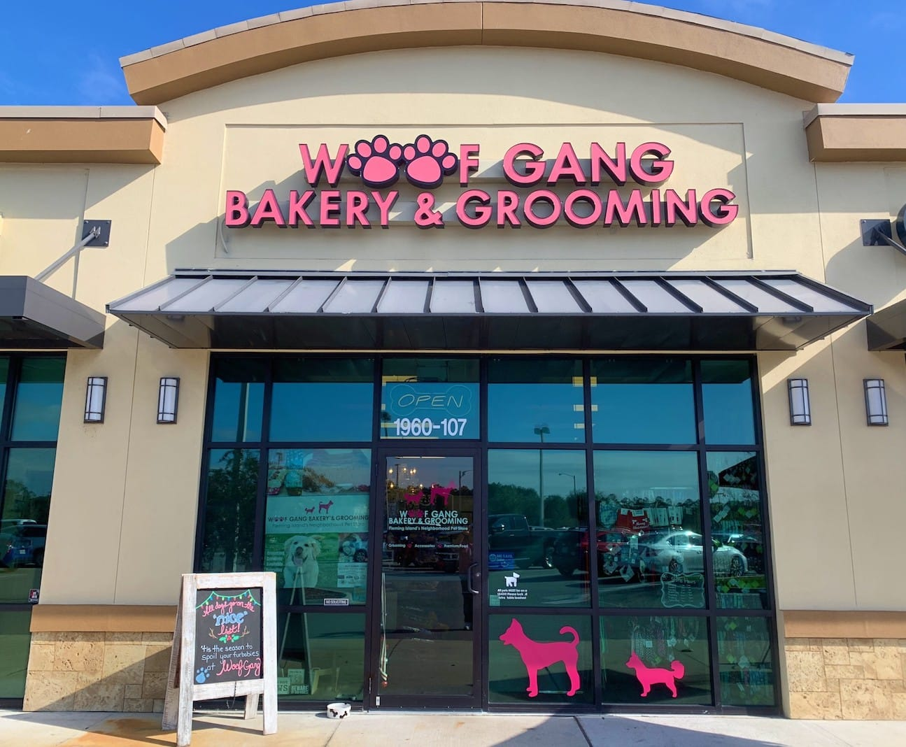 Woof Gang Bakery Fleming Island location, exterior photo